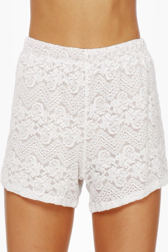 Pantaloon-ey Tunes Cream Lace Shorts