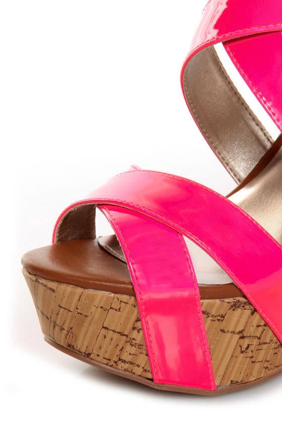 Qupid Finder 48 Neon Pink Patent Platform Wedges