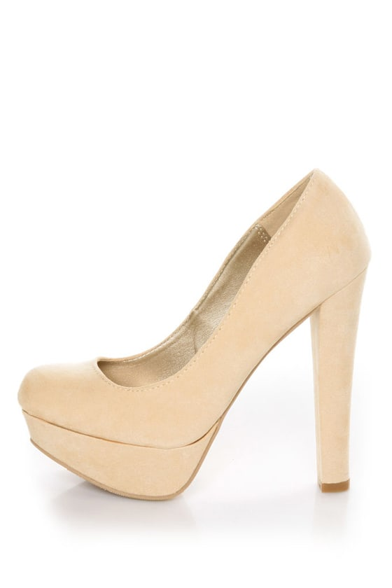 Qupid Marc 01 Nude Suede Platform Pumps