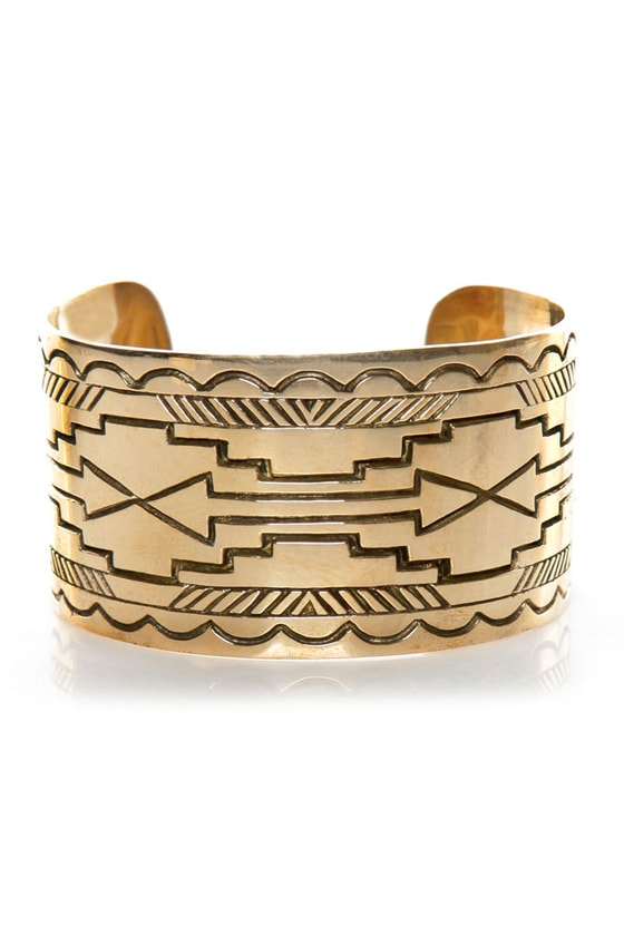 Jen's Pirate Booty Distant Mesa Gold Cuff at Lulus.com!