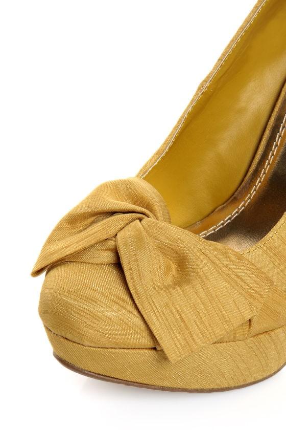 Anne Michelle Dynamite 80 Mustard Thai Silk Knotty Bow Pumps