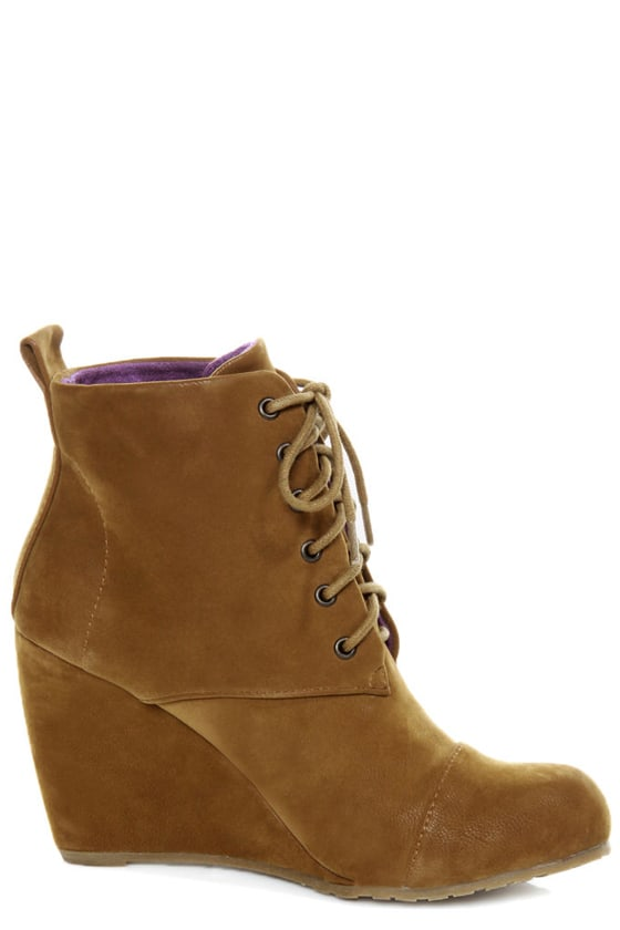 Blowfish India Earth Fawn Lace-Up Wedge Booties