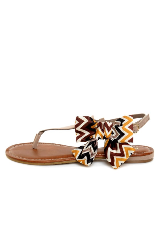Bamboo Bloom 61 Taupe Zig-Zag Print Side Bow Thong Sandals