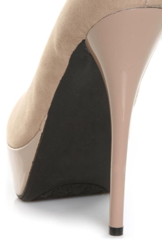 Bamboo Colada 32 Blush Pink Velvet and Patent Go GaGa Platform Pumps