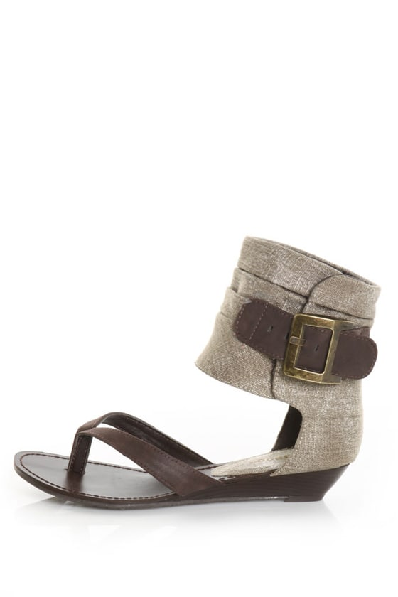 Bamboo Denisa 25 Brown Buckled Ankle Cuff Thong Sandals