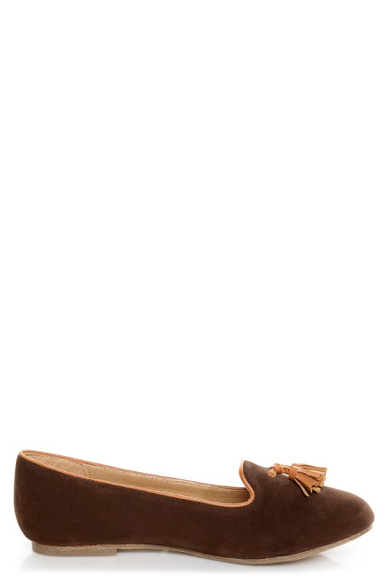 Bamboo Donovan 01 Brown & Tan Tassel Smoking Slipper Flats at Lulus.com!