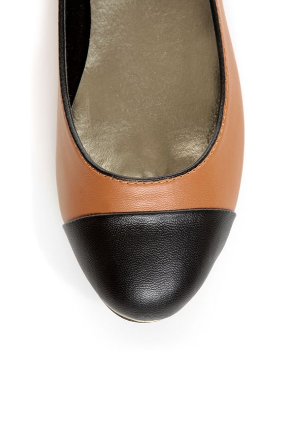 Bamboo Mansion 15 Chestnut Brown and Black Cap-Toe Flats at Lulus.com!