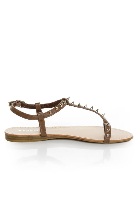 Bamboo Steno 20 Taupe Toe Ring T-Strap Spiked Sandals at Lulus.com!