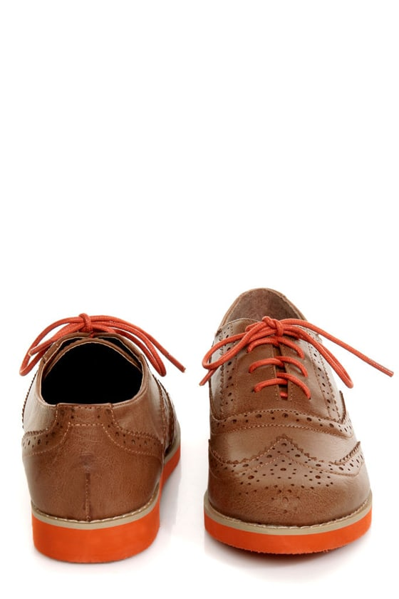 Bamboo Toureg 01 Tan Lace-Up Orange-Soled Oxfords