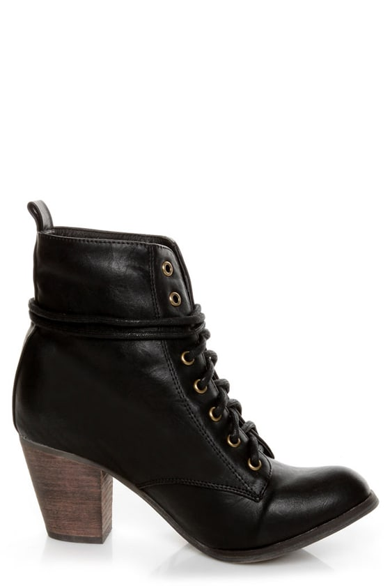Chelsea Crew Detour Black Lace-Up Ankle Booties at Lulus.com!