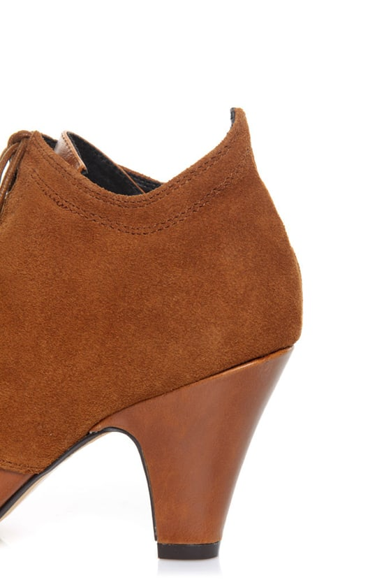 Chelsea Crew Gramy Tan Suede Lace-Up Bootie Pumps