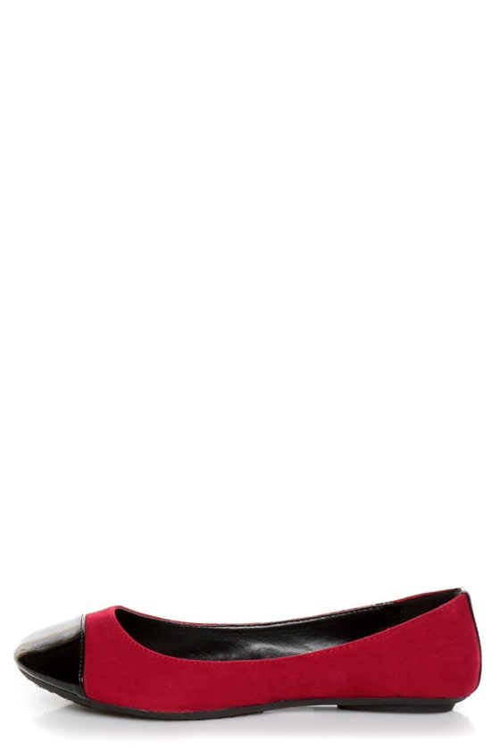 City Classified Yaku Lipstick Red and Black Cap-Toe Ballet Flats