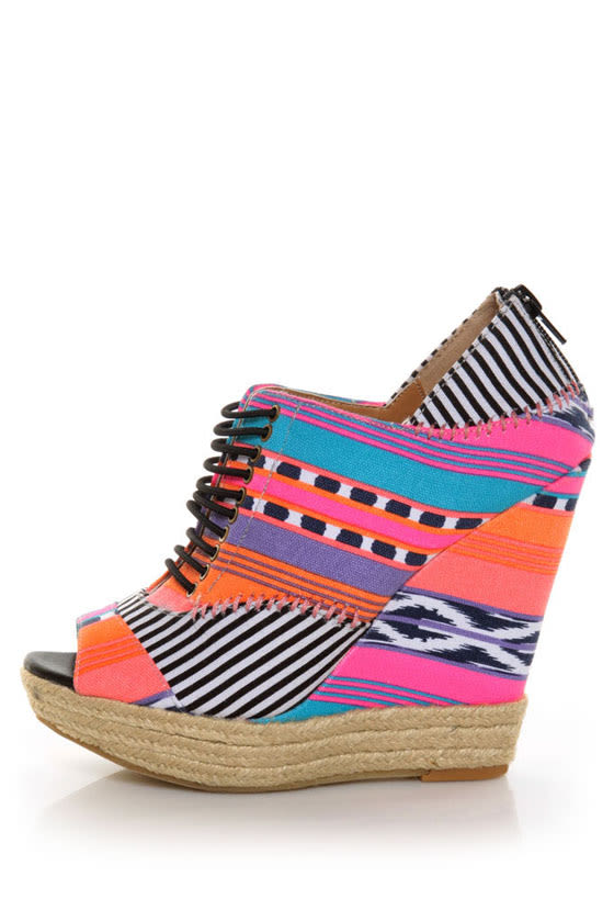 Chinese Laundry Make My Day Tribal Stripe Pink Multi Wedges