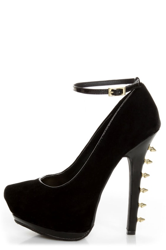 Dollhouse Notorious Black Studded Platform Pumps