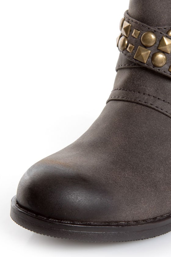 Dirty Laundry Showstopper Brown Studded Motorcycle Boots at Lulus.com!