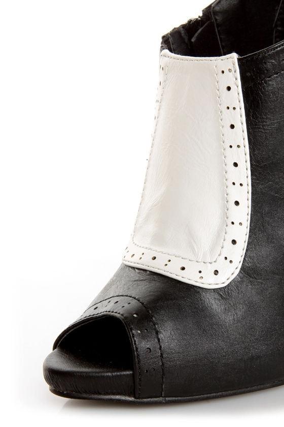 Fiebiger Downtown Black and White Spectator Shootie Heels