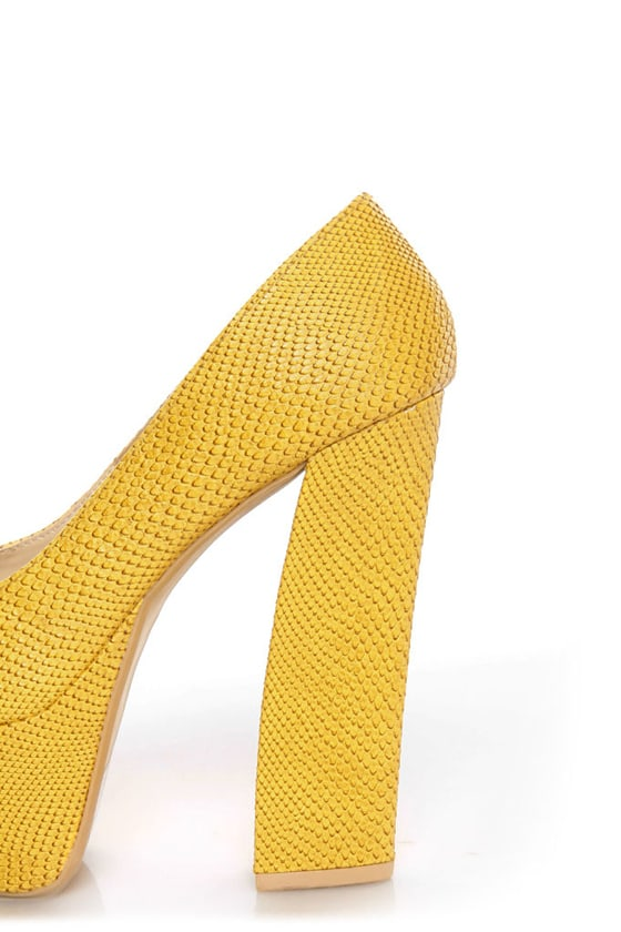Fahrenheit Anne 24 Yellow Snakeskin Peep Toe Platform Heels at Lulus.com!