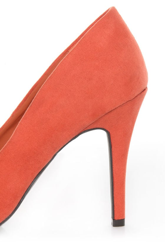 Fahrenheit CR-01 Coral Velvet Pointed Pumps at Lulus.com!