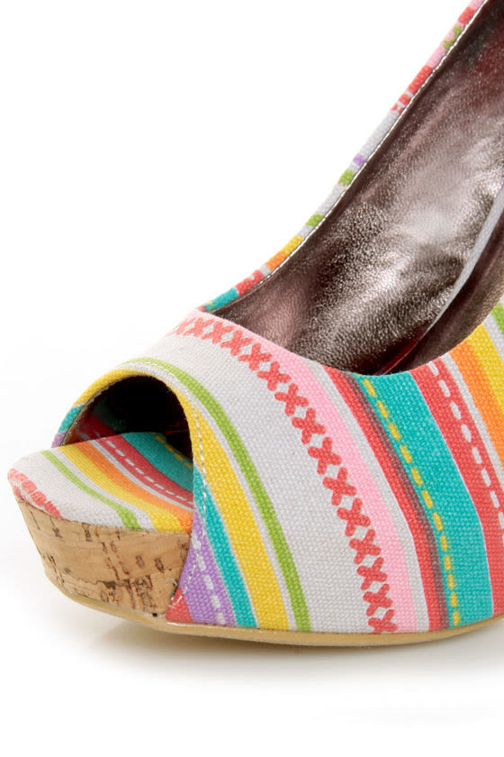 Fahrenheit Minka 06 Fuchsia Canvas Multi Print Peep Toe Heels