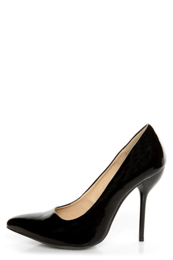 Fahrenheit Zara 02 Black Patent Pointed Pumps at Lulus.com!