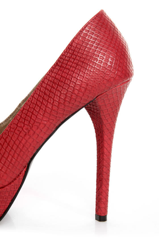 GoMax Eye Catcher 01 Red Snake Peep Toe Platform Pumps at Lulus.com!