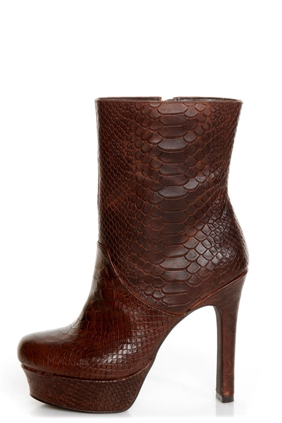 Jessica Simpson Fram Brown King Stamped Snake Platform Boots at Lulus.com!