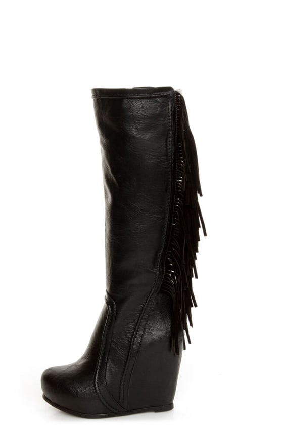 Luichiny Top That Black Fringe Wedge Boots at Lulus.com!