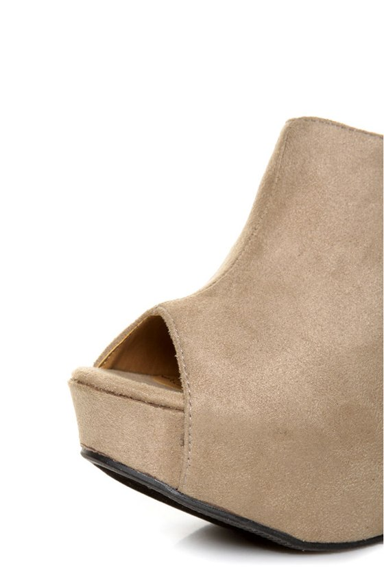 My Delicious Cubic Taupe Peep Toe Mule Wedges