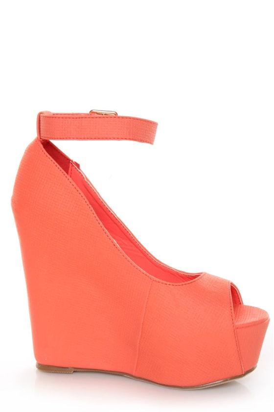 Mona Mia Yuriana Coral Textured Peep Toe Platform Wedges at Lulus.com!