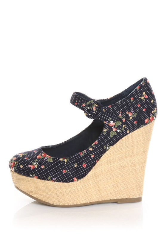 Mixx Kimmy 47 Blue Floral Basket O' Berries Wedges