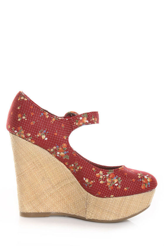 Mixx Kimmy 47 Red Floral Basket O' Berries Wedges