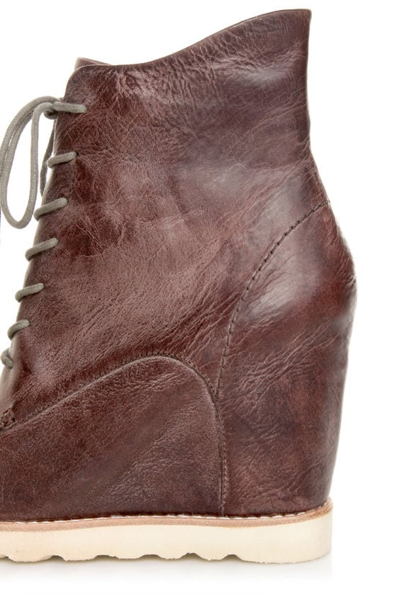 Matiko Cooper Brown Leather Lace-Up Wedge Sneakers at Lulus.com!