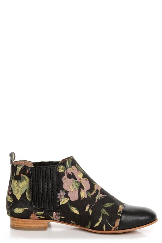 matiko jasper rose print cap toe chelsea boots. Black Bedroom Furniture Sets. Home Design Ideas