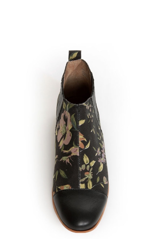 Matiko Jasper Rose Print Cap-Toe Chelsea Boots at Lulus.com!