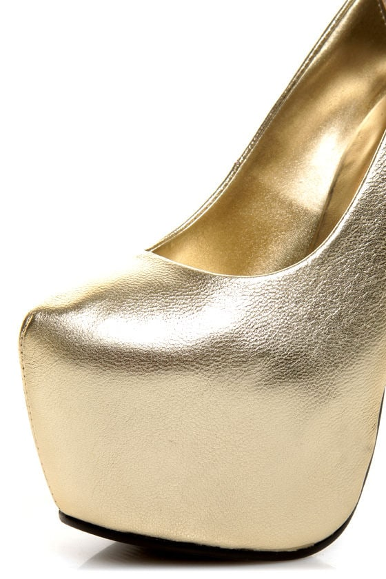 N.Y.L.A Issa Gold Leather Mega Platform Pumps at Lulus.com!