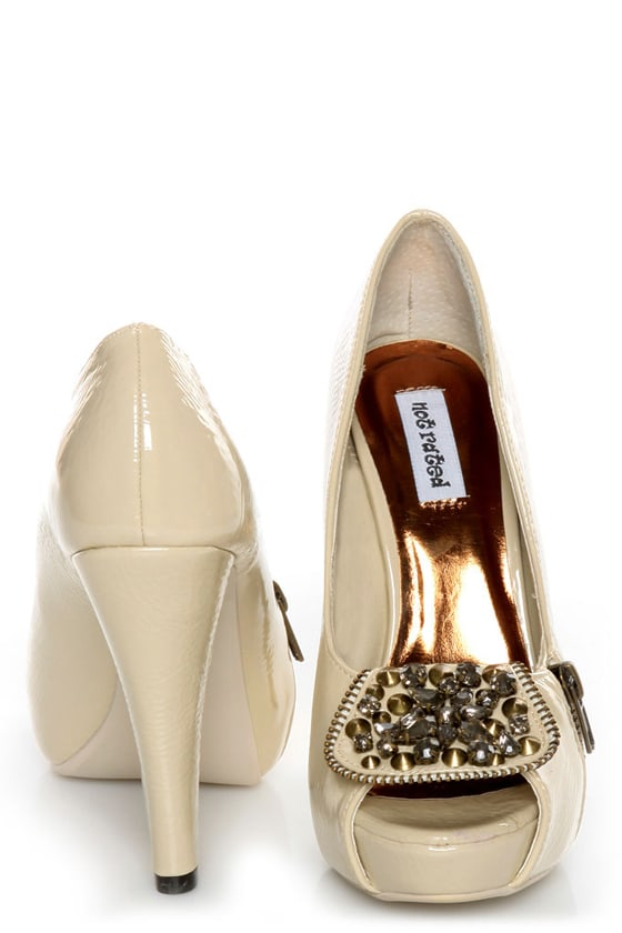 Not Rated Happy Beat Nude Zipper Bib Studded Pumps