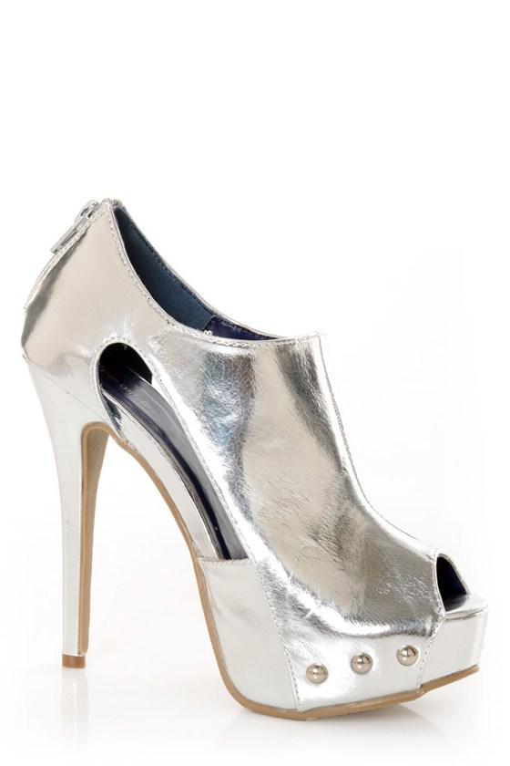 Promise Lewi Silver Metallic Cutout Shootie Pumps at Lulus.com!