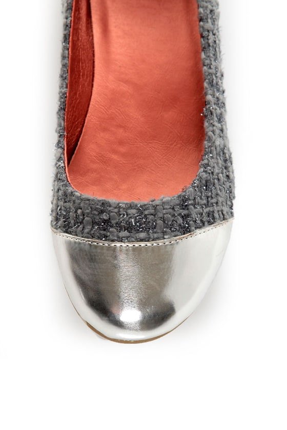 Promise Montreal Grey Sparkle Tweed Cap-Toe Flats at Lulus.com!