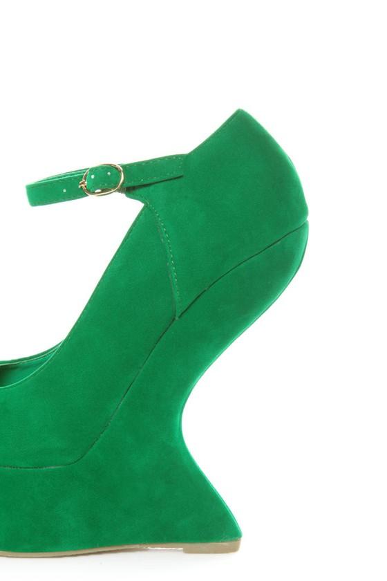Privileged Dexter Green Peep Toe Heelless Platforms