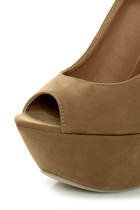 Privileged Dexter Tan Peep Toe Heelless Platforms