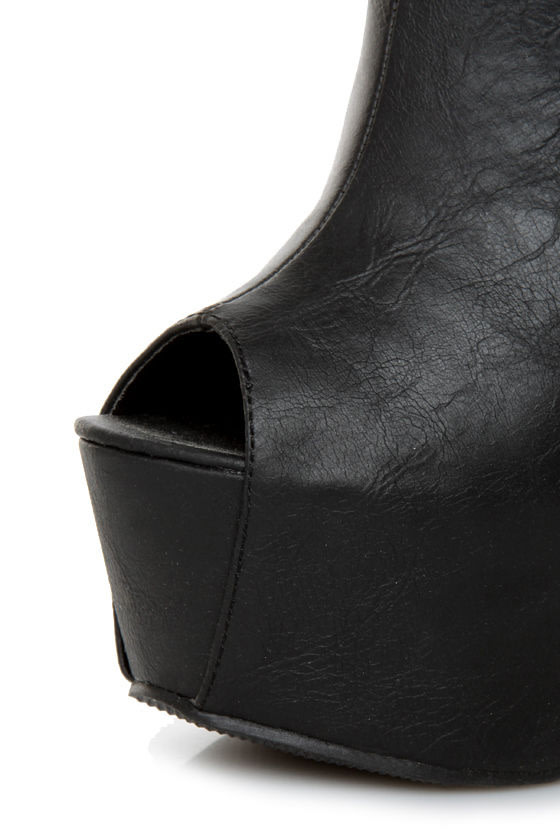 Privileged Keaton Black Shootie Heelless Platforms