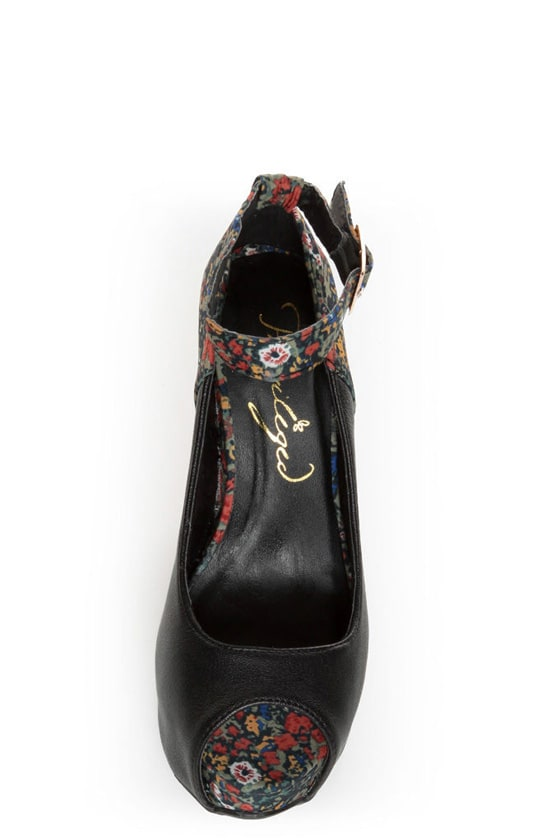 Privileged Mistique Black and Floral Peep Toe Wedges at Lulus.com!