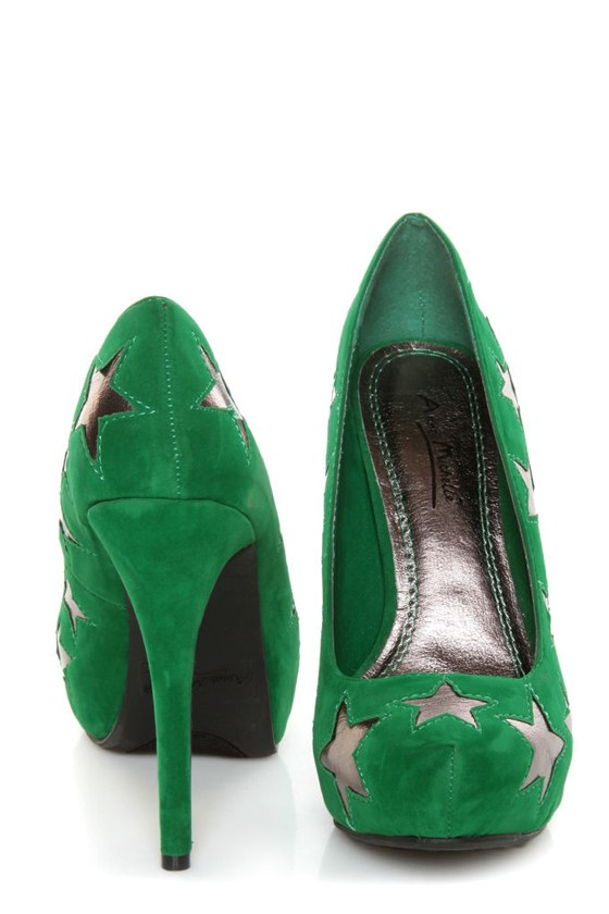 Anne Michelle Viral 68 Green Star Cutout Platform Pumps at Lulus.com!