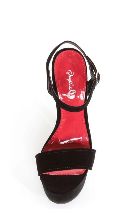 Qupid Brenner 06 Black Velvet Platform Heels