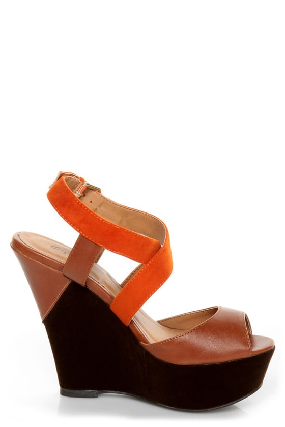 Qupid Finder 79 Camel and Orange Platform Wedges