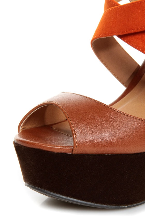 Qupid Finder 79 Camel and Orange Platform Wedges