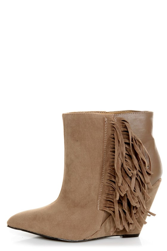 Qupid Maddox 07 Taupe Fringe Pointed Ankle Boots