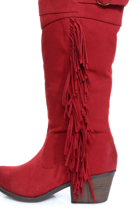 Qupid Mariska 15 Red Oil Finish Suede Fringe Cowboy Boots at Lulus.com!