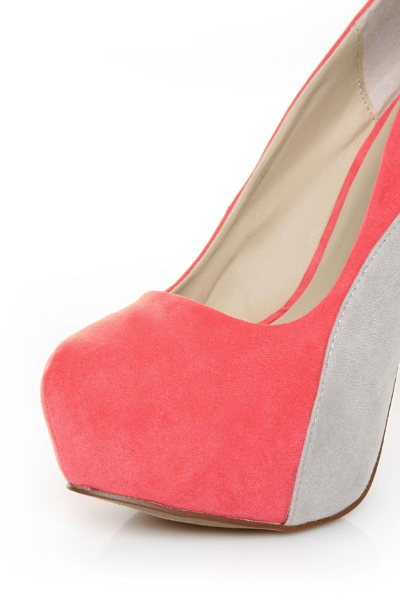 Qupid Penelope 44X Coral Curvy Color Block Platform Pumps at Lulus.com!