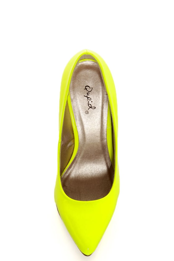 Qupid Potion 01 Neon Yellow Patent Pointed Pumps